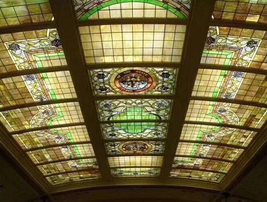 教堂彩玻璃